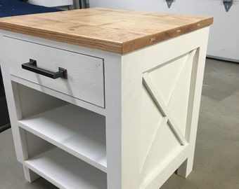 CUSTOM Farmhouse, Rustic, Shabby Chic End Table/Side Table/Bedside Table with Reclaimed Wood Top