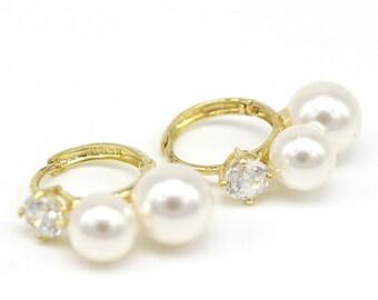 14k Solid Yellow Gold Eaarings 3340 Two Pearl Earrings