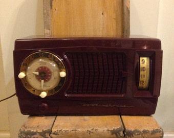 Vintage Westinghouse am clock radio/tube radio model H-374T5 (maroon) alarm clock am radio