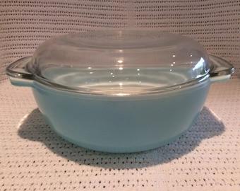 SALE Pyrex JAJ Weardale Duck Egg Blue Easy Grip 2 pint Round Casserole Dish circa 1960