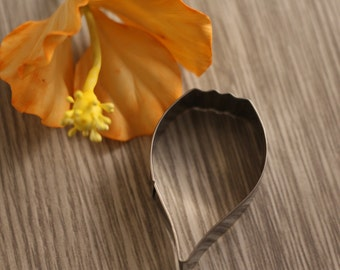 Metal cookie cutter
