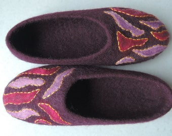 felt slippers ready to ship!   home shoes women slippers Woolen clogs natural wool
