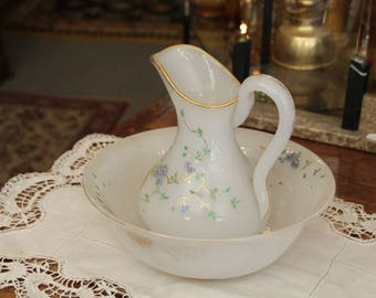 Antique toilet set / Pitcher and basin / Pitcher and bowl / Jug and bowl / Milk glass opaline / 19th century