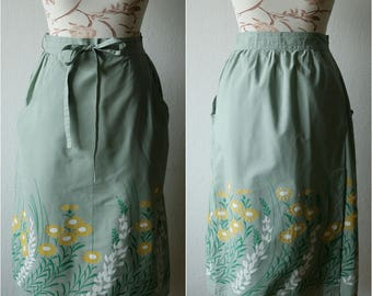 Vintage wrap midi skirt Pale gray-green floral print The Bagshaws of St. Lucia Tied at front Yellow green meadow flowers print L, XL size
