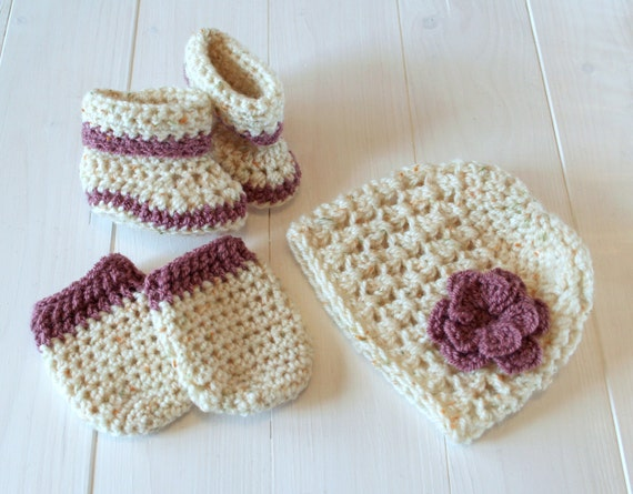 Baby Hat Booties and Mittens, Hat Booties Mittens, Baby girl, Cream hat, Baby outfit, Newborn Hat Booties Mittens,Baby gift,Ready to ship,