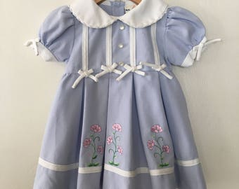 Vintage Baby Girls - Little GIrls Blue & White Embroidered Flowers Dress Peter Pan Collar 12 Months