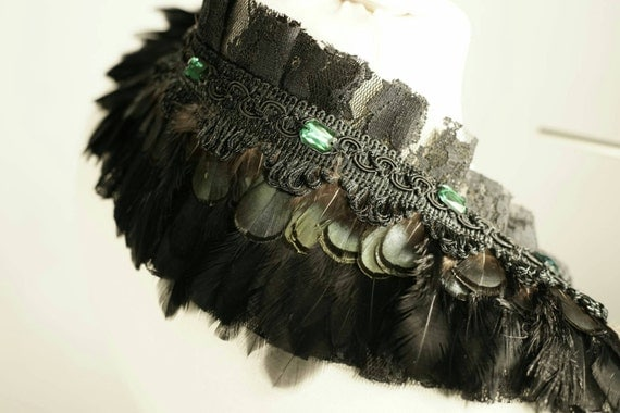 Feather collar collar black green black green with lace and tulle and gems / spring with lace & tulle and crystals