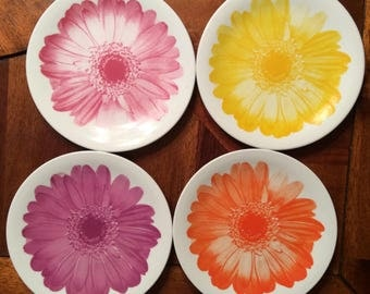 Mid Century Salad Plates (4) with Large Flowers/Daisies Covering Face of Plate - Fuschia, Yellow, Pink, Orange Colors