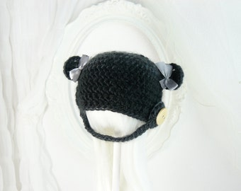 A cute teddy cap for Pullip girls, with teddy bear ears, wood button, bows, helmet, custom, ooak