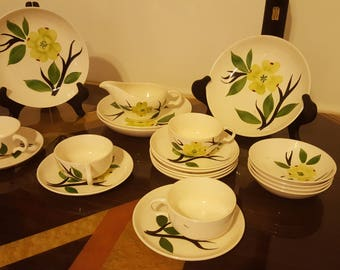 ON SALE, Vintage Teacups, Antique Teacups, Dixie Dogwood, Dixie Dogwood Joni Retro Teacups, Dixie Doogwood Pottery, Dinner Set,Replacements