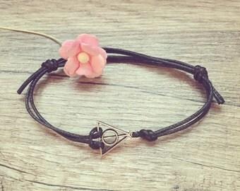 KL. triangle bracelet bracelet in black silver, stainless steel, triangle, blogger, vintage, statement,