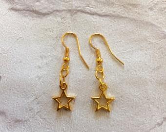 Gold  Star Earrings, Little Star Earrings, Star Jewellery, Girls Earrings, Christmas Earrings, Gold Stars, Gold Earrings, Party Earrings.