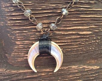 Double horn crescent necklace