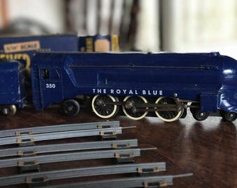 """American Flyer """"The Royal Blue"""" 350 with tender, two cars and caboose, .."""