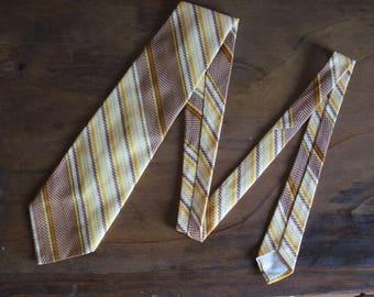 Father's Day Tie, Vintage 1970s striped tie, Orange and Brown Striped tie, Wide Tie, Men's Necktie