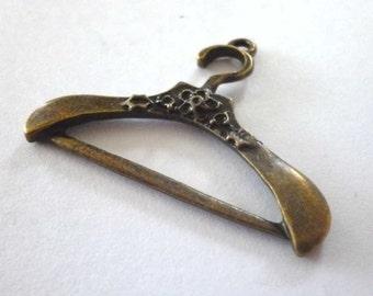 Single Bronze Tone Metal Coat Hanger Pendants - H305
