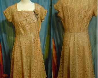 1950 beige dress vintage item 4