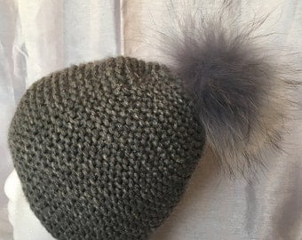 Chunky Hat, Hand Knitted ladies hat, Women Hats, Fur Pom Pom Hat , Grey color, 100% Cashmere
