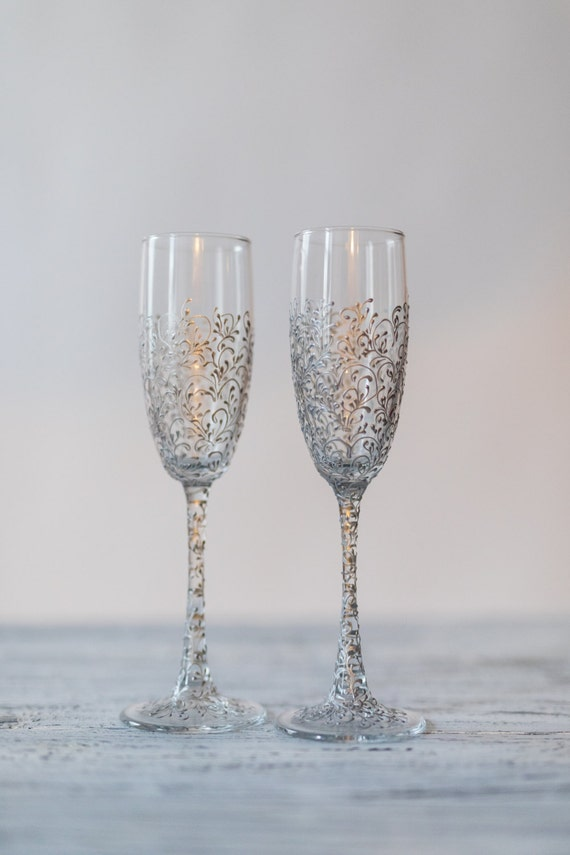 personalized wedding glasses toasting flutes silvcer glasses bride and