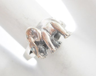 Elephant Ring, Sterling Silver Ring, Vintage Elephant Ring, Sterling Ring, Silver Ring, Vintage Sterling Silver Elephant Ring Sz 7 #2196