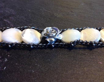Double chain bracelet with mother of Pearl White and pink stones silver resin plant
