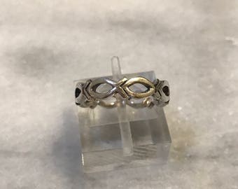 Size 5, vintage sterling silver ring, solid 925 silver wired fish band, stamped 925