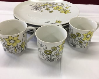 Country Casual Fine China by Seymour Mann set