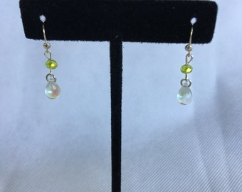Water drop earrings with a touch of color