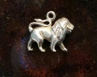 Small Vintage sterling silver  lion charm tiny necklace pendant or keychain charm