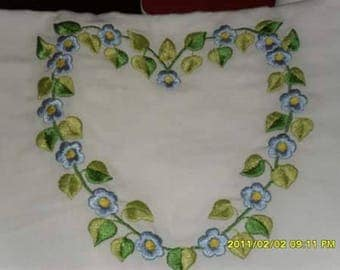Fitted sheet for cot linen machine embroidery