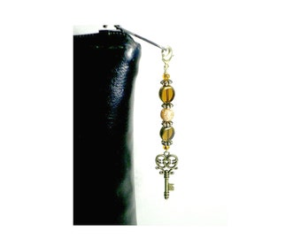 Amber Gold Beaded Zipper Pull With Key Charm, Glass Bead Key Swag, Purse Embellishment, Clutch Adornment, Bag Bling, Backpack Decoration