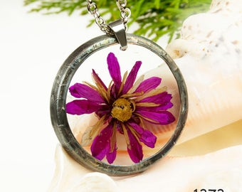 Dried flower necklace, Romantic necklace, Terrarium necklace, Gift for her, Dried flower jewelry, Real plant jewelry, Resin jewelry, 1373