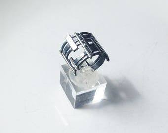 Mondrian-01: checkered - oxidized and polished sterling silver ring.