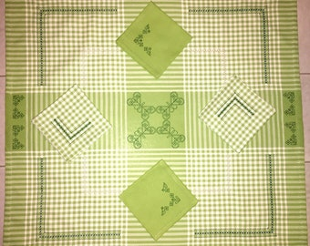 Placemat + 4 Napkins Butterflies butterflies (Tablecloth + 4 napkins)