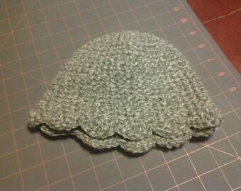 Scalloped edge cotton sun hat.