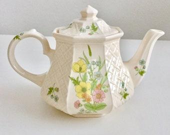 Vintage floral trellis teapot, Sadler, 1950s