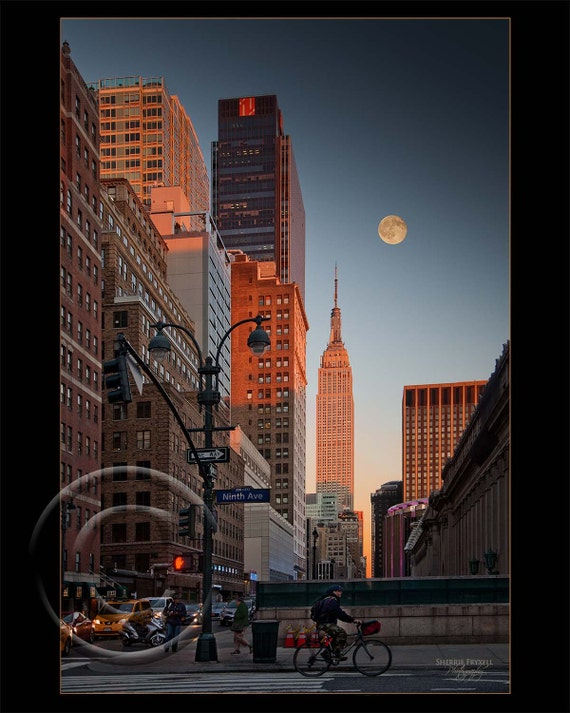 In a New York Minute, NYC, Manhattan, Moon, Empire State Building, Sunset,Wall Picture,Home Decor,Home Decor Office,Gift,Photo,Vertical