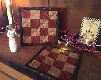 Pot Holders/Kitchen/Hot Pads/Handmade/Quilted/Checkerboard/Country Decor/Primitive/Patchwork  Item #111