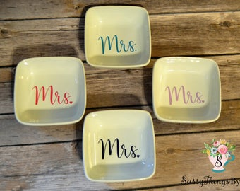 Mrs. ring dish-jewelry dish-custom ring dish - personalized jewelry dish - bridal shower gift - bridesmaid gift - custom gift