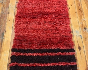 Shaggy red tulu  Turkish Anatolian vintage hand made wool and wool 28.74x69.29inc---073x176cm