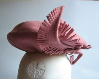 vintage pink felt wool hat with feather