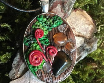 Amulet magic Moss [love and protection] / FAIRY / gems / leaf / wood / Moss / witch / Wiccan / spiritual