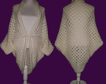 Crocheted cocoon vest in withe soft yarn
