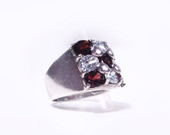 Garnet silver ring and Crystal