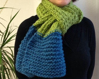 BLUE AND GREEN chunky scarf