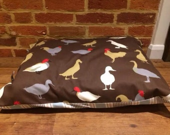 Dog bed cover Ducks & chickens/strip  Reversible tie side