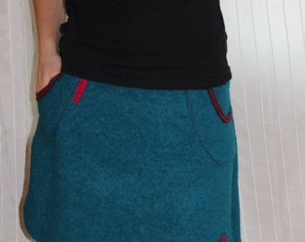 Wool walking skirt Gr. 38/40, winter skirt in turquoise with applications and bags
