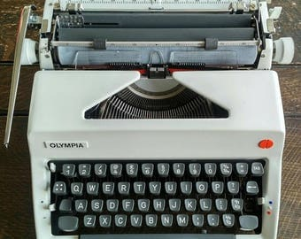 Vintage Working Olympia Typewriter in Case