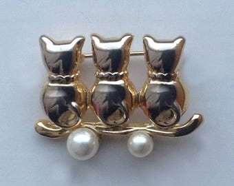 Three little Cats Brooch/Pin sitting on a branch