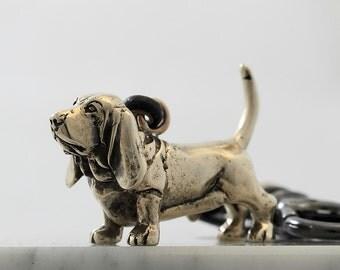 Vakkancs Basset Hound bronze keychain 3D